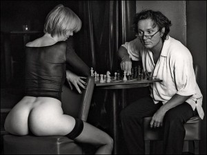 Naked-Chess-300x225