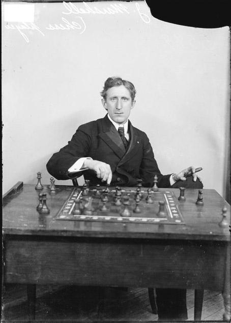 chess_marshall_cigar