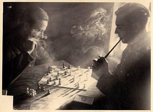 joueurs-fumeurs-chess-smokers
