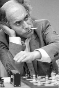 mikhail-tal-smoker-chess