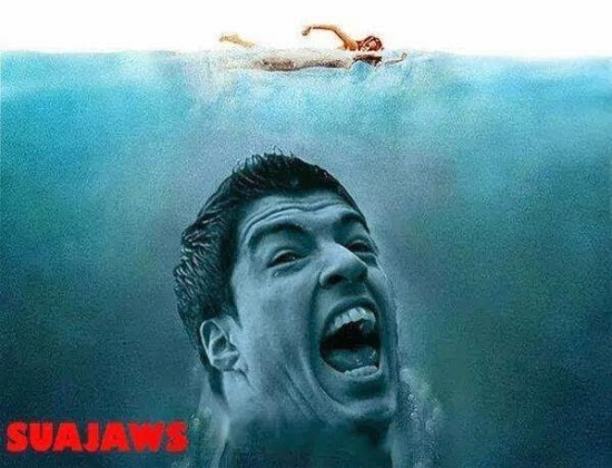 suajaws-suarez-football-bite