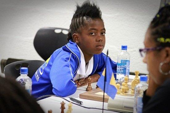 Luzia Pires (Angola)