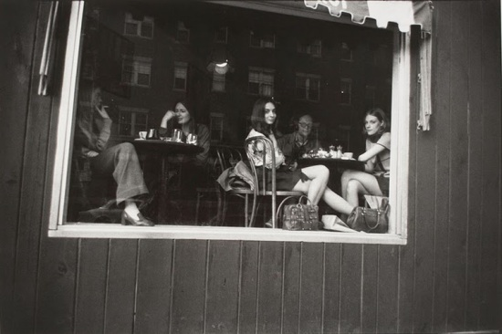 Women on the Street from the late 1960s to early 1970s (7) (1)