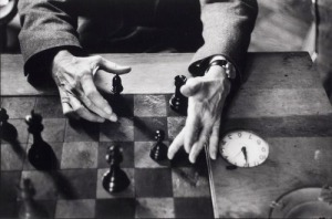 Marcel Duchamp's hands, New York City, 1959-60/ Alexander Liberman /sc