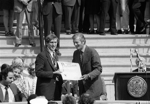 World chess champion Bobby Fischer holds proclamation of