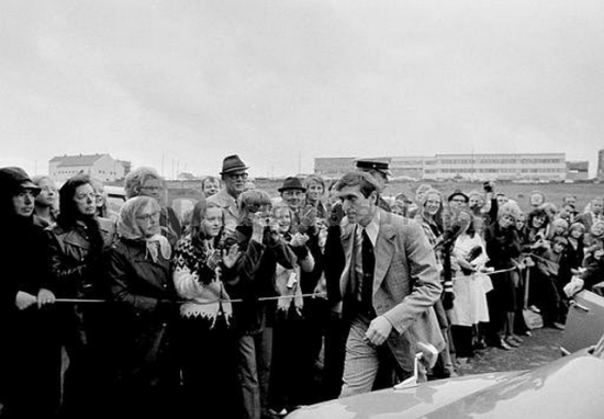 1972wb Bobby Fischer walks toward Laugardholl Stadium in Reykjavik Iceland Aug 23th for the 17th game in the World Chess Championships