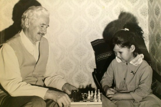 alexandra-playing-with-her-grandfather-Alexandr-Ostry-in-Kiev-Ukraine
