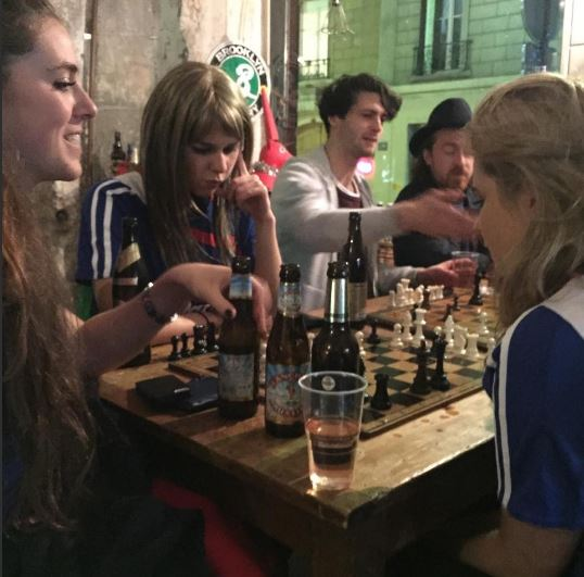 More chess at the bar in Pigalle: http://erasmusu.com/es/erasmus-paris/que-ver/basilica-del-sagrado-corazon-sacre-coeur-1749