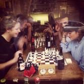 More chess a the bar in Pigalle: http://erasmusu.com/es/erasmus-paris/que-ver/basilica-del-sagrado-corazon-sacre-coeur-1749
