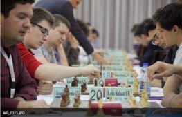 Moiseenko vs Kulaots (you can only see Kulaots hand)