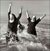 Nuns having fun on the beach. https://pt.pinterest.com/slyazzi/nuns-having-fun/