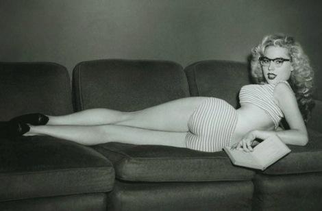 Hard to read in this position.  Betty Brosmer   http://elretronauta.blogspot.pt/2012_01_01_archive.html